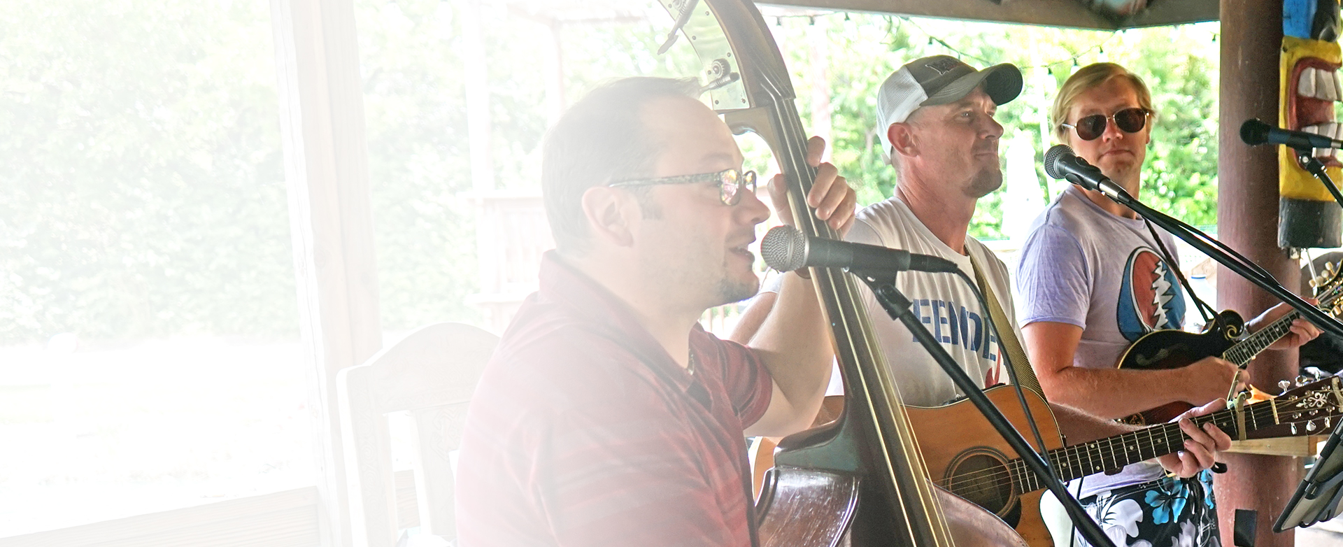 music playing, live entertainment